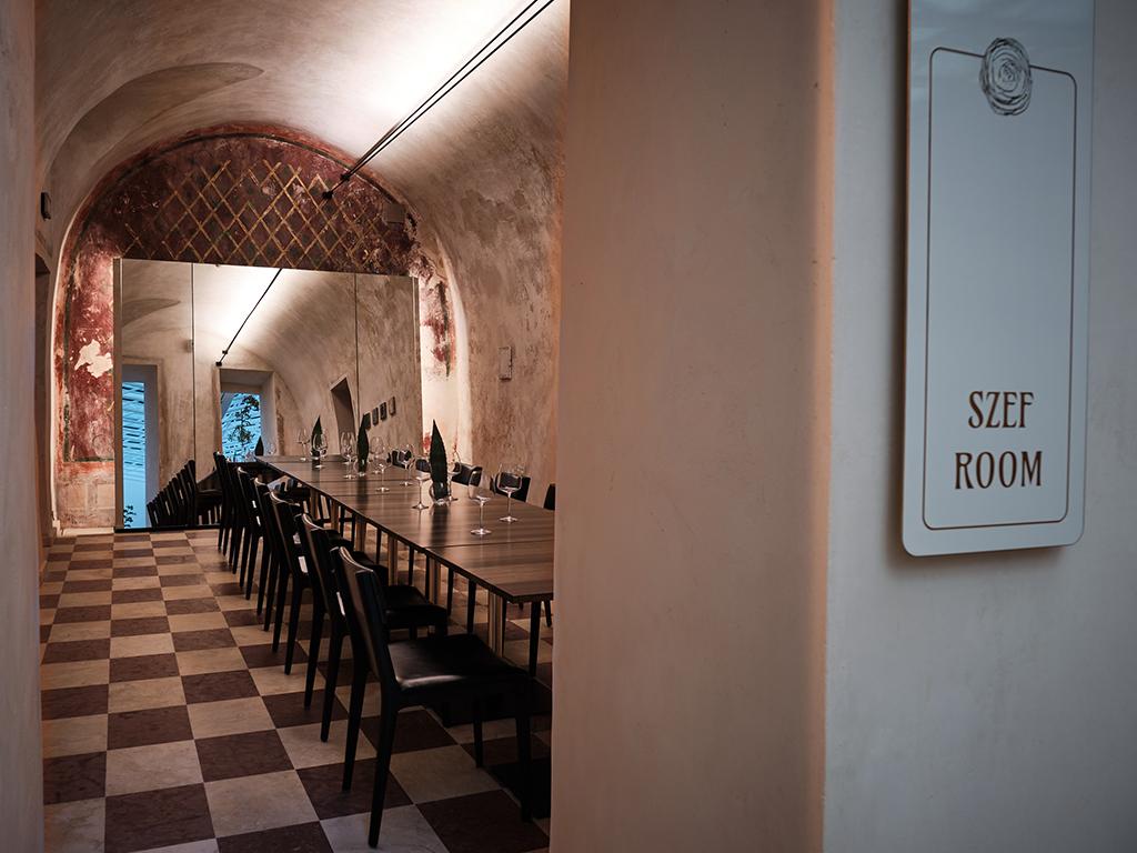 Pięciogwiazdkowy Hotel Warszawa - restauracja amarone