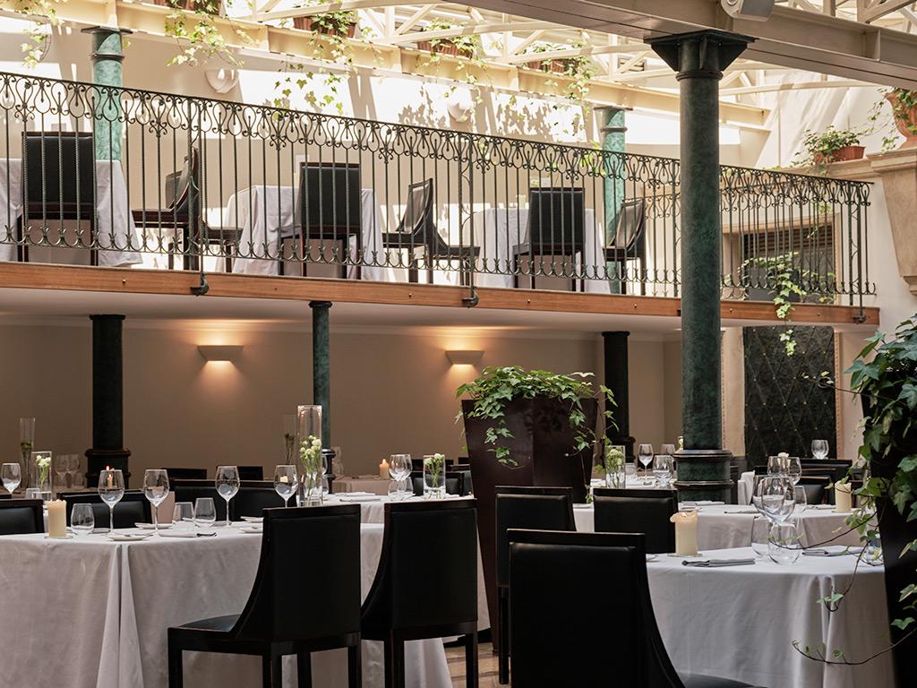 Pięciogwiazdkowy Hotel Warszawa - restauracja monopol wrocław